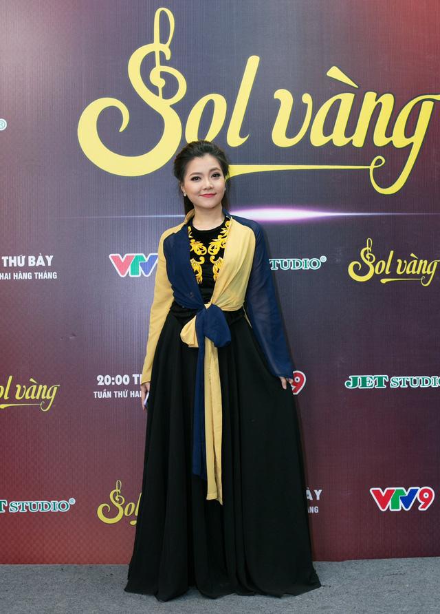 Cựu thành viên Mắt Ngọc khoe vẻ đẹp duyên dáng ở hậu trường Sol Vàng - ảnh 2
