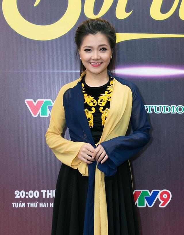 Cựu thành viên Mắt Ngọc khoe vẻ đẹp duyên dáng ở hậu trường Sol Vàng - ảnh 1