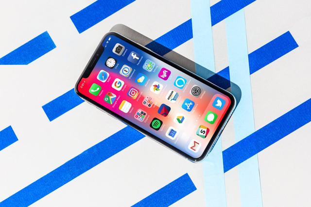 Sự đắt đỏ của iPhone X và tội đồ mang tên Samsung - Ảnh 2.