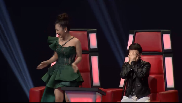 Giọng hát Việt nhí: Tiên Cookie nghẹn ngào khóc, tuyên bố không cần tiền và danh vọng - Ảnh 2.