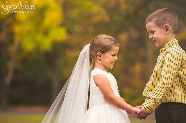Câu chuyện cảm động đằng sau bộ ảnh cưới phiên bản nhí gây sốt - Ảnh 10.