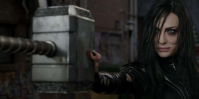 Búa thần Mjolnir sẽ nát vụn trong Thor: Ragnarok - Ảnh 2.