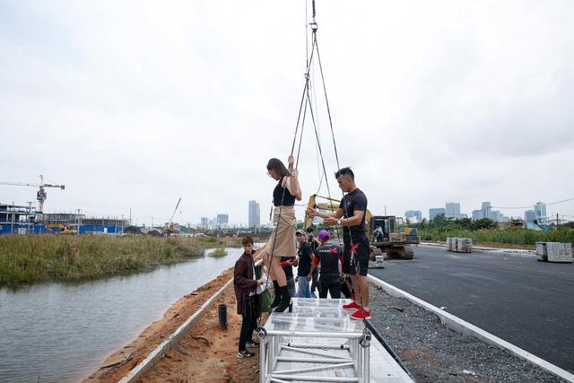 Căng thẳng như Vietnams Next Top Model 2017: 48 tiếng ghi hình cho một thử thách phát sóng 15 phút - Ảnh 1.