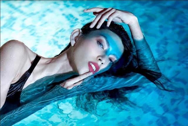 Top 5 Vietnams Next Top Model 2017 bất ngờ hóa mỹ nhân ngư - Ảnh 5.