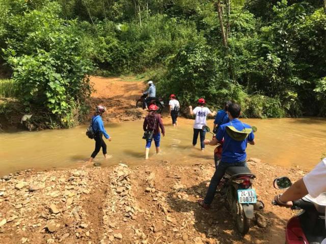 Mang Trung thu yêu thương đến với học sinh nghèo Lào Cai - Ảnh 5.