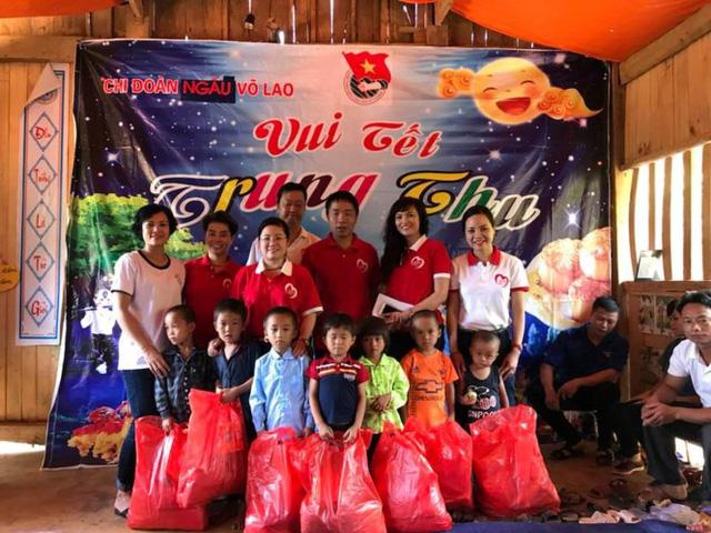 Mang Trung thu yêu thương đến với học sinh nghèo Lào Cai - Ảnh 6.