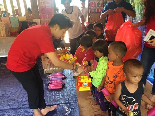 Mang Trung thu yêu thương đến với học sinh nghèo Lào Cai - Ảnh 7.