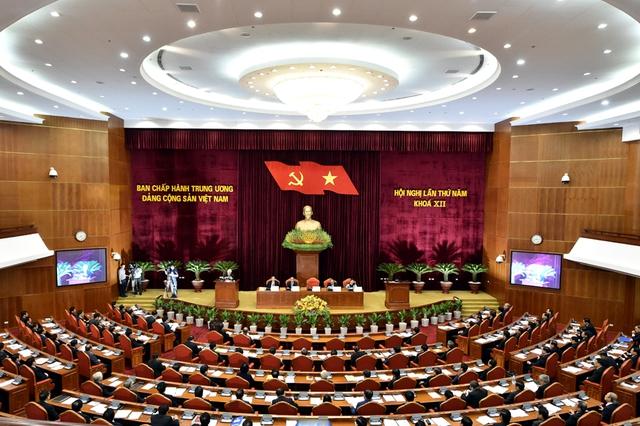 Kỷ luật cảnh cáo đồng chí Đinh La Thăng, cho thôi giữ chức Ủy viên Bộ Chính trị - Ảnh 1.