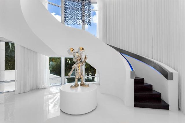 Lóa mắt trước căn nhà của ông chủ nổi tiếng ngành thời trang thế giới - Ảnh 2.