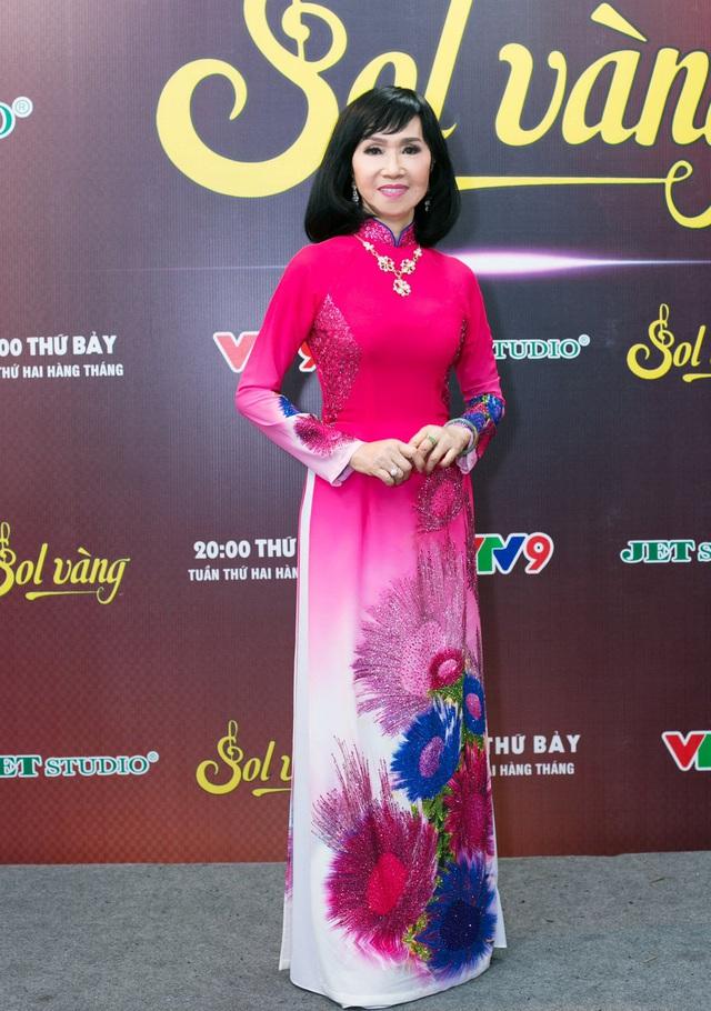Cựu thành viên Mắt Ngọc khoe vẻ đẹp duyên dáng ở hậu trường Sol Vàng - ảnh 9