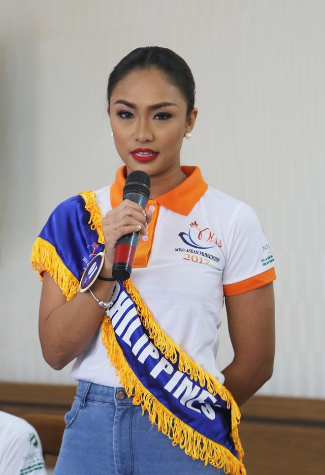 Thí sinh Hoa hậu Hữu nghị ASEAN thân thiết trong buổi đầu gặp gỡ - Ảnh 7.