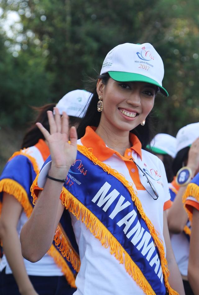 Thí sinh Hoa hậu Hữu nghị ASEAN rạng rỡ khoe sắc ở Ghềnh Đá Dĩa ảo diệu - Ảnh 14.