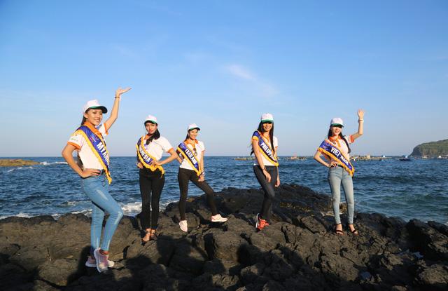 Thí sinh Hoa hậu Hữu nghị ASEAN rạng rỡ khoe sắc ở Ghềnh Đá Dĩa ảo diệu - Ảnh 4.