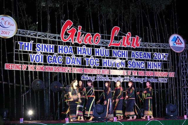 Hoa hậu Hữu nghị ASEAN: Dàn người đẹp hào hứng với trải nghiệm giao lưu văn hóa - Ảnh 4.