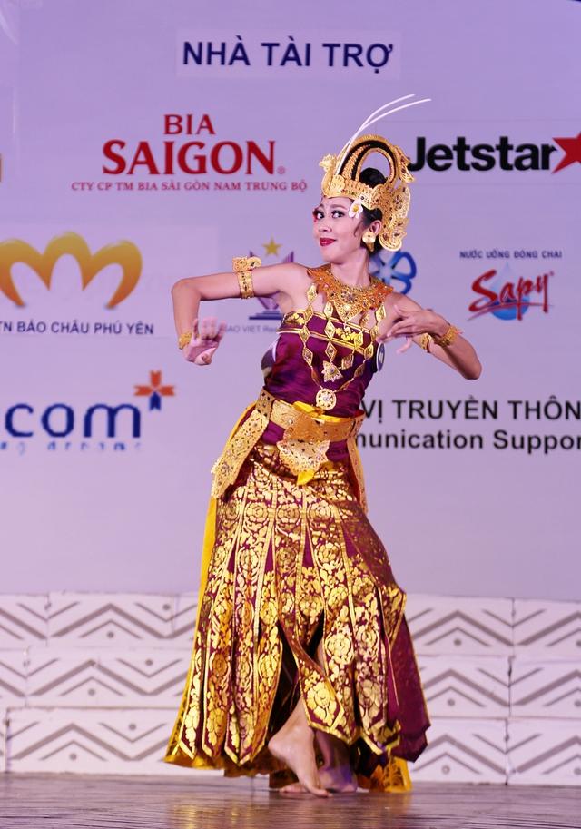 Ấn tượng trước tài năng của thí sinh Hoa hậu Hữu nghị ASEAN - Ảnh 1.
