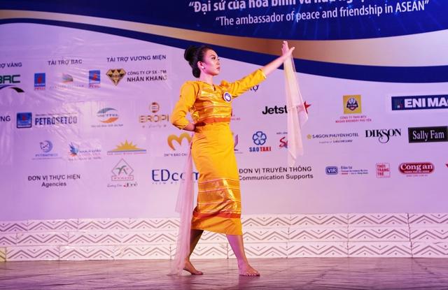Ấn tượng trước tài năng của thí sinh Hoa hậu Hữu nghị ASEAN - Ảnh 12.