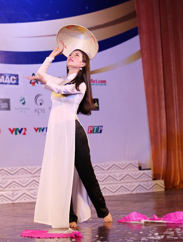 Ấn tượng trước tài năng của thí sinh Hoa hậu Hữu nghị ASEAN - Ảnh 10.