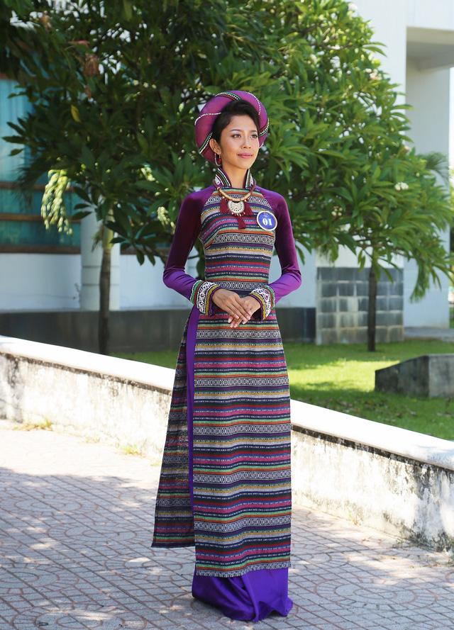 Dàn thí sinh Hoa hậu Hữu nghị ASEAN duyên dáng với áo dài thướt tha - Ảnh 14.