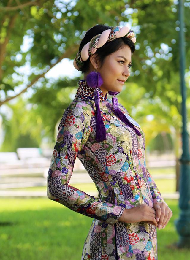 Dàn thí sinh Hoa hậu Hữu nghị ASEAN duyên dáng với áo dài thướt tha - Ảnh 12.