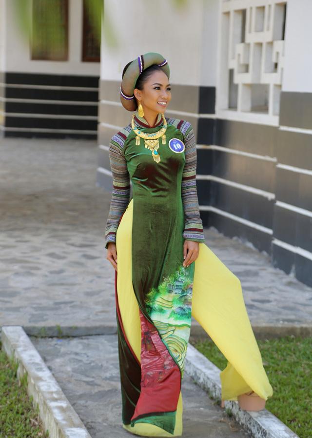 Dàn thí sinh Hoa hậu Hữu nghị ASEAN duyên dáng với áo dài thướt tha - Ảnh 10.