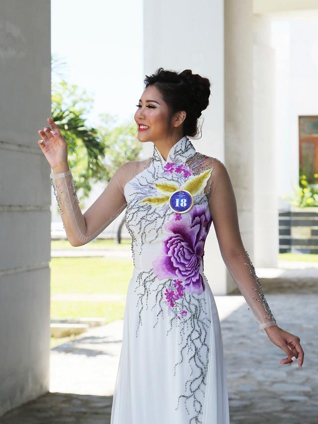 Dàn thí sinh Hoa hậu Hữu nghị ASEAN duyên dáng với áo dài thướt tha - Ảnh 8.