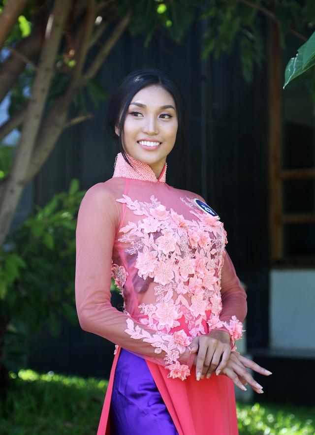Dàn thí sinh Hoa hậu Hữu nghị ASEAN duyên dáng với áo dài thướt tha - Ảnh 5.