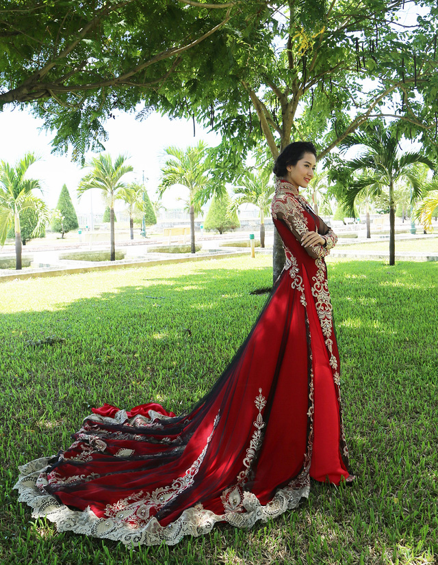 Dàn thí sinh Hoa hậu Hữu nghị ASEAN duyên dáng với áo dài thướt tha - Ảnh 2.