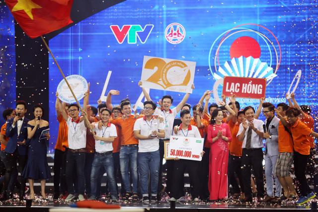 Nhìn lại khoảnh khắc đăng quang của tân vương Robocon Việt Nam 2017 - Ảnh 18.