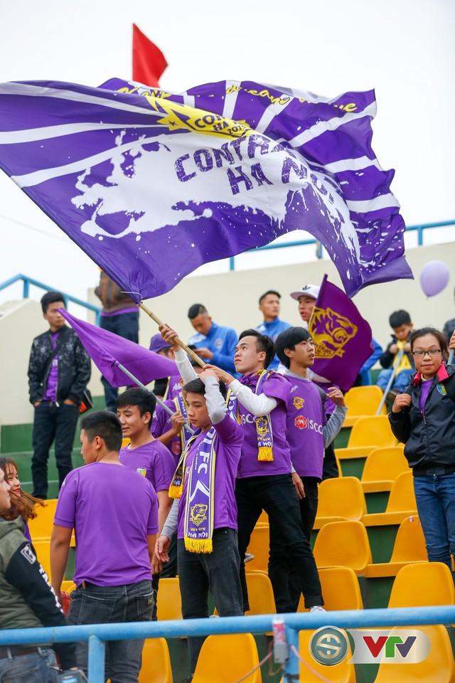 ẢNH: Các CĐV CLB Hà Nội cuồng nhiệt trước trận đấu quyết định trên sân Cẩm Phả - Ảnh 15.