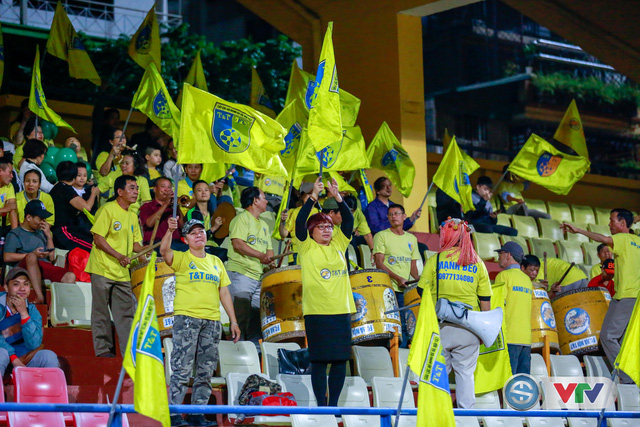 ẢNH: CLB Hà Nội chiếm ngôi đầu bảng giải VĐQG V.League 2017 - Ảnh 16.