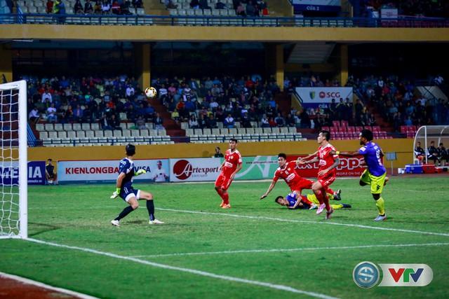 ẢNH: CLB Hà Nội chiếm ngôi đầu bảng giải VĐQG V.League 2017 - Ảnh 7.