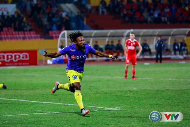 ẢNH: CLB Hà Nội chiếm ngôi đầu bảng giải VĐQG V.League 2017 - Ảnh 15.