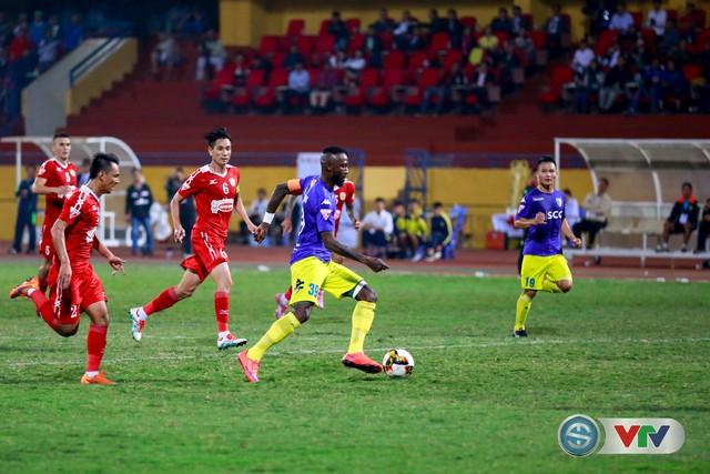 ẢNH: CLB Hà Nội chiếm ngôi đầu bảng giải VĐQG V.League 2017 - Ảnh 18.
