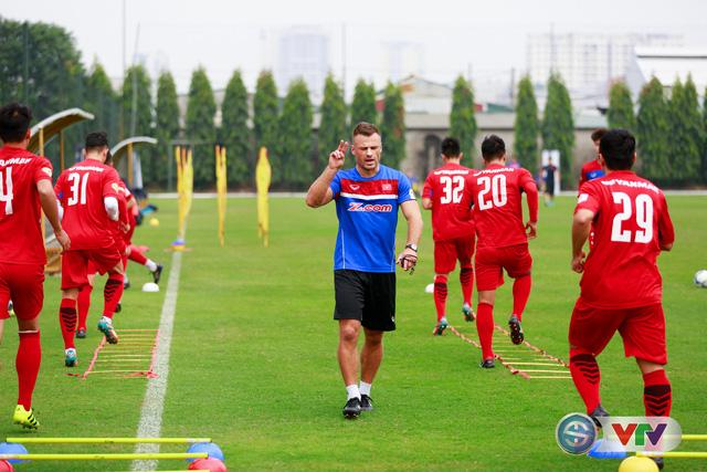 ẢNH: ĐT Việt Nam tích cực luyện tập chờ ngày tái đấu ĐT Afghanistan - Ảnh 1.