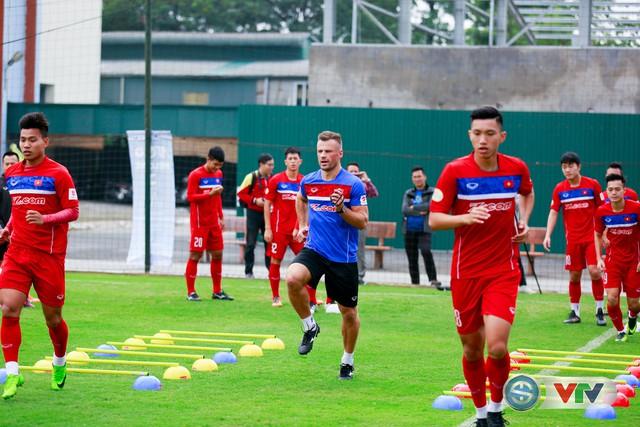 ẢNH: ĐT Việt Nam tích cực luyện tập chờ ngày tái đấu ĐT Afghanistan - Ảnh 2.