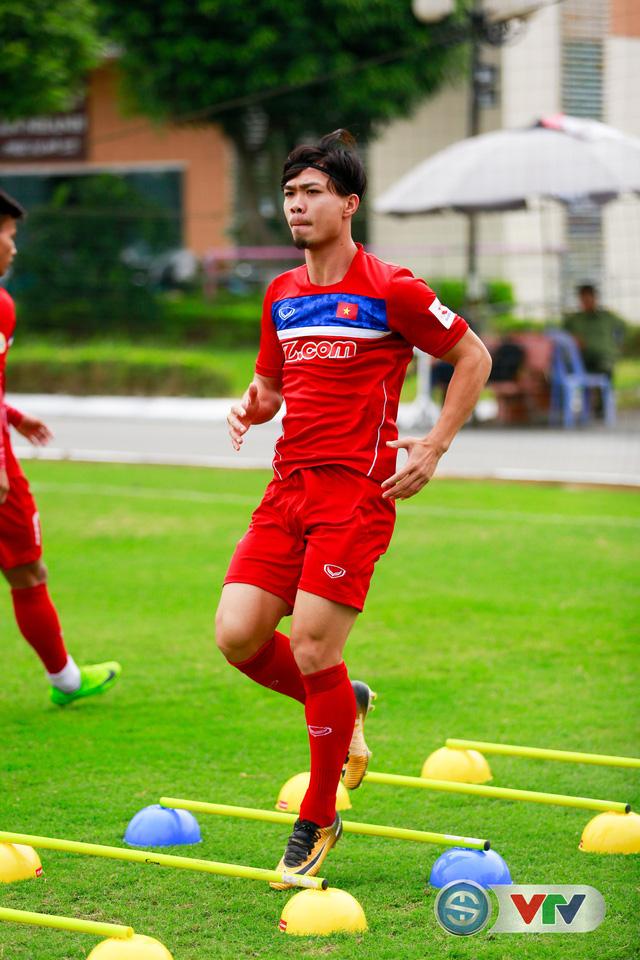 ẢNH: ĐT Việt Nam tích cực luyện tập chờ ngày tái đấu ĐT Afghanistan - Ảnh 5.