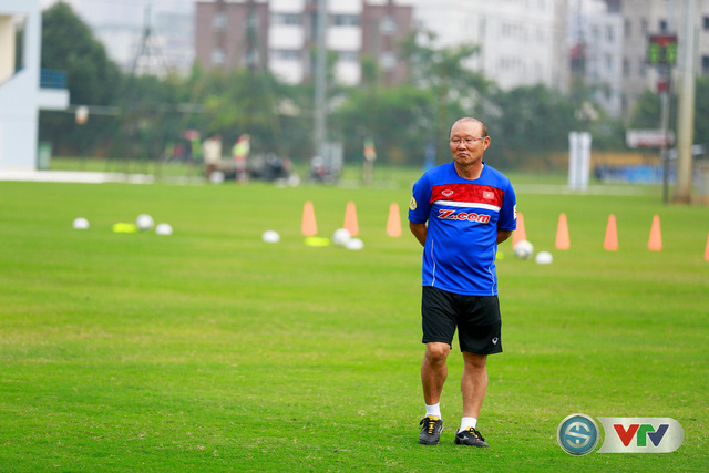ẢNH: ĐT Việt Nam tích cực luyện tập chờ ngày tái đấu ĐT Afghanistan - Ảnh 14.