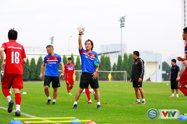 ẢNH: ĐT Việt Nam tích cực luyện tập chờ ngày tái đấu ĐT Afghanistan - Ảnh 13.