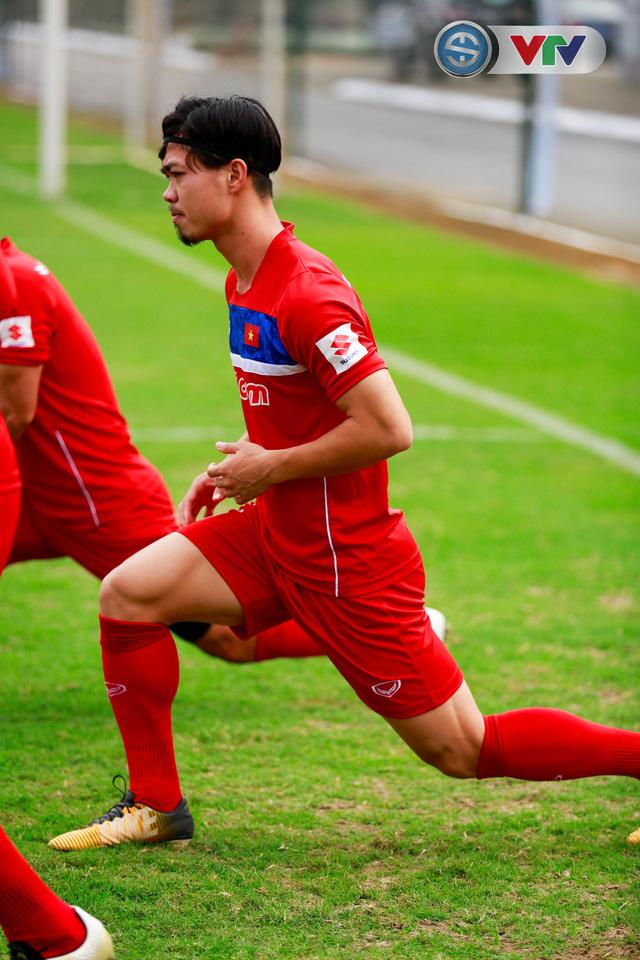 ẢNH: ĐT Việt Nam tích cực luyện tập chờ ngày tái đấu ĐT Afghanistan - Ảnh 10.