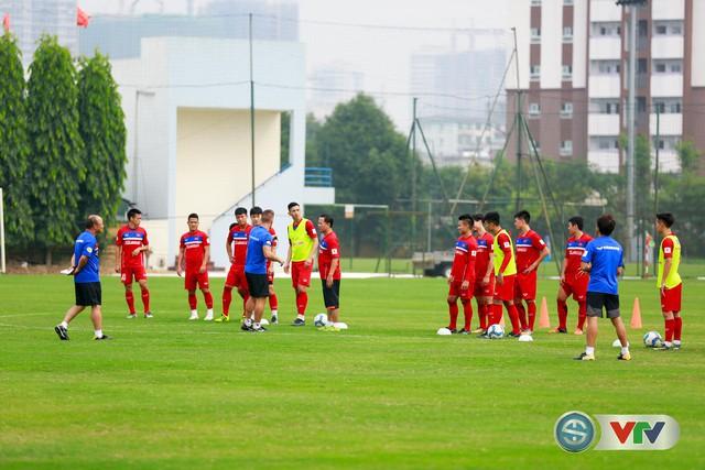 ẢNH: ĐT Việt Nam tích cực luyện tập chờ ngày tái đấu ĐT Afghanistan - Ảnh 15.