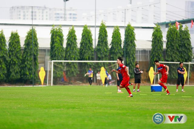 ẢNH: ĐT Việt Nam tích cực luyện tập chờ ngày tái đấu ĐT Afghanistan - Ảnh 20.