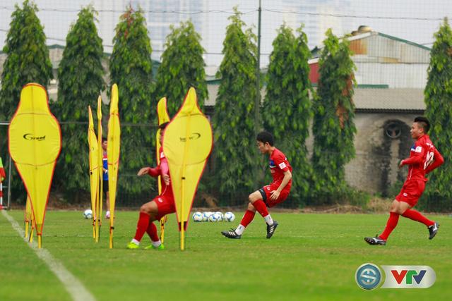 ẢNH: ĐT Việt Nam tích cực luyện tập chờ ngày tái đấu ĐT Afghanistan - Ảnh 18.