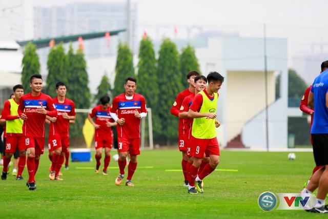 ẢNH: ĐT Việt Nam tích cực luyện tập chờ ngày tái đấu ĐT Afghanistan - Ảnh 25.