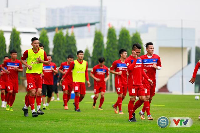 ẢNH: ĐT Việt Nam tích cực luyện tập chờ ngày tái đấu ĐT Afghanistan - Ảnh 24.