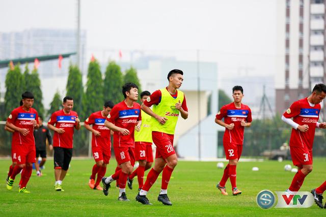 ẢNH: ĐT Việt Nam tích cực luyện tập chờ ngày tái đấu ĐT Afghanistan - Ảnh 23.