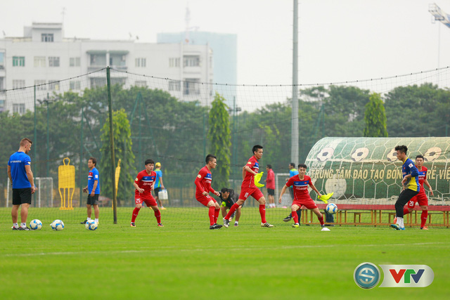 ẢNH: ĐT Việt Nam tích cực luyện tập chờ ngày tái đấu ĐT Afghanistan - Ảnh 34.