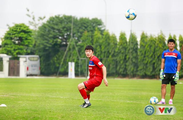 ẢNH: ĐT Việt Nam tích cực luyện tập chờ ngày tái đấu ĐT Afghanistan - Ảnh 28.