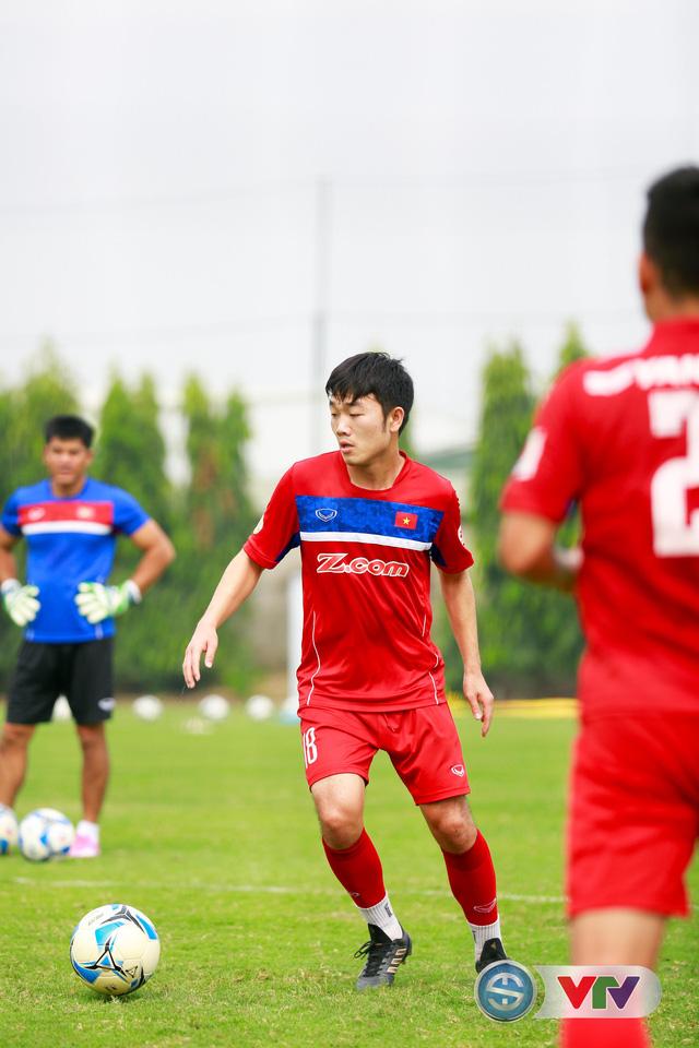 ẢNH: ĐT Việt Nam tích cực luyện tập chờ ngày tái đấu ĐT Afghanistan - Ảnh 33.