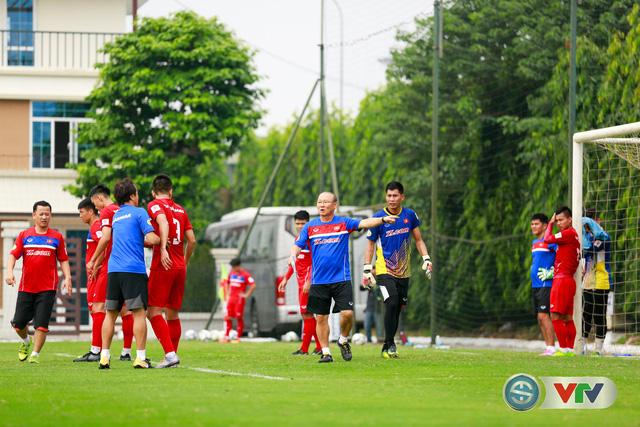 ẢNH: ĐT Việt Nam tích cực luyện tập chờ ngày tái đấu ĐT Afghanistan - Ảnh 38.