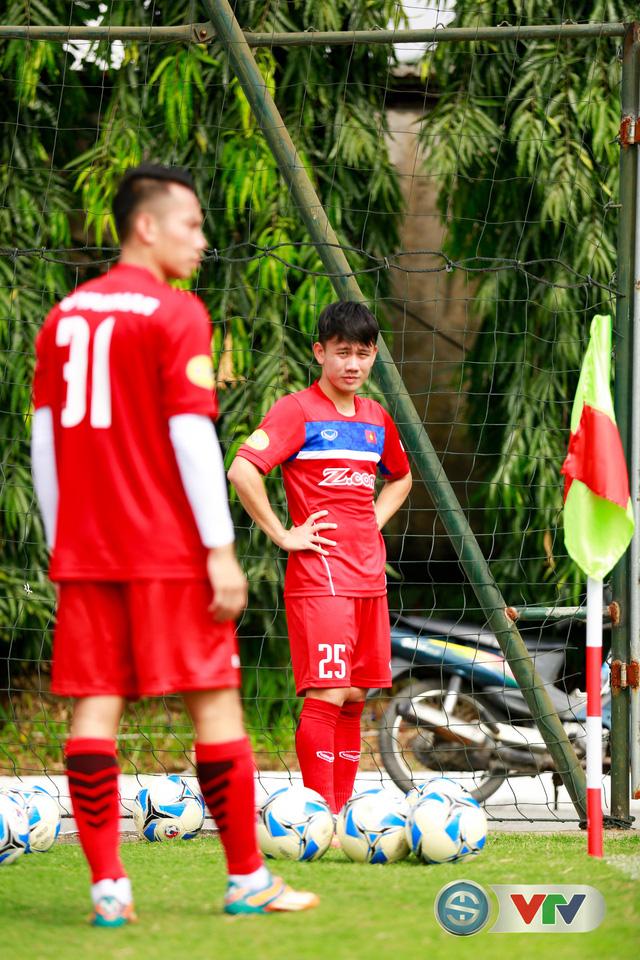 ẢNH: ĐT Việt Nam tích cực luyện tập chờ ngày tái đấu ĐT Afghanistan - Ảnh 39.